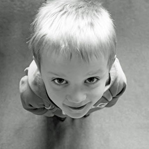 child-looking-up